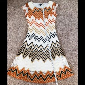 Dress 👗 Worn 1x Cute!! Size 8